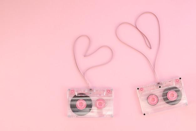 Cintas de casete con vista superior de corazones