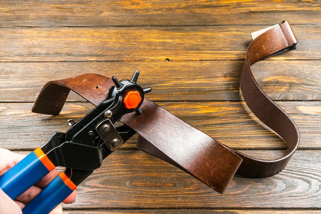 Cinturón de orificio perforador power assist heavy duty revolving eyelet punch plier