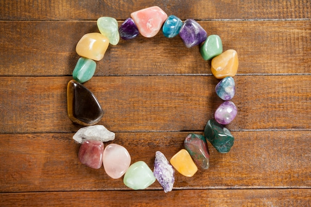 Círculo de piedras de colores guijarros