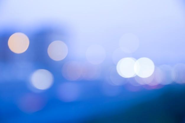 Ciudad abstracta de noche desenfocada
