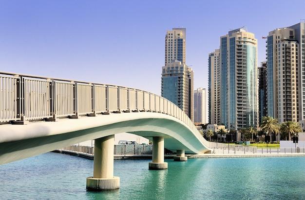 La ciudad de dubai, emiratos árabes unidos.