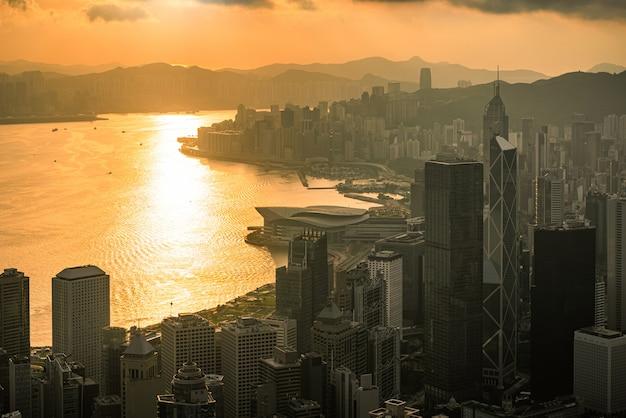 Ciudad de hong kong al amanecer