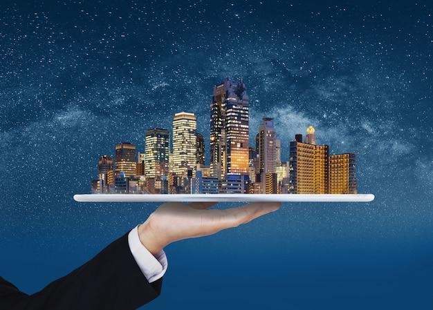 Ciudad inteligente, edificio inteligente, negocio inmobiliario e inversión