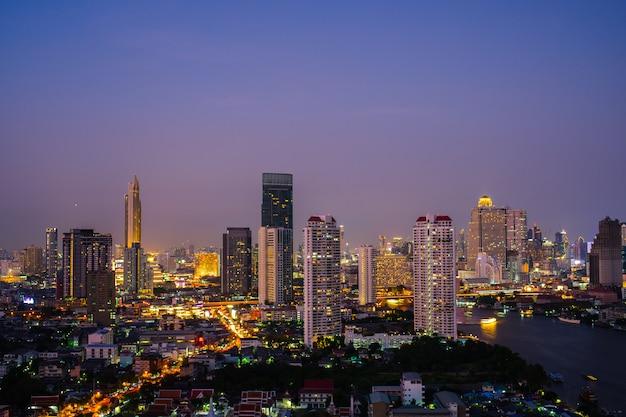Ciudad de noche bangkok tailandia.
