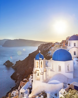 Ciudad de oia en la isla de santorini, grecia