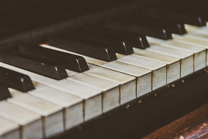 Piano keys fotos y vectores gratis for Immagini del piano casa gratis