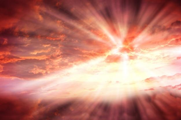 Climático brillante brillante cielo alto