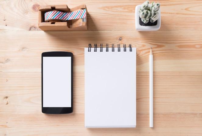 Clip de papel de cosas postit teléfono pad topview