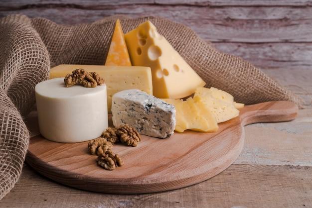 Close-up deliciosa variedad casera de queso