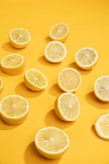 Close-up deliciosas rodajas de limón