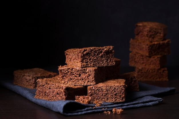 Close-up deliciosos brownies de chocolate