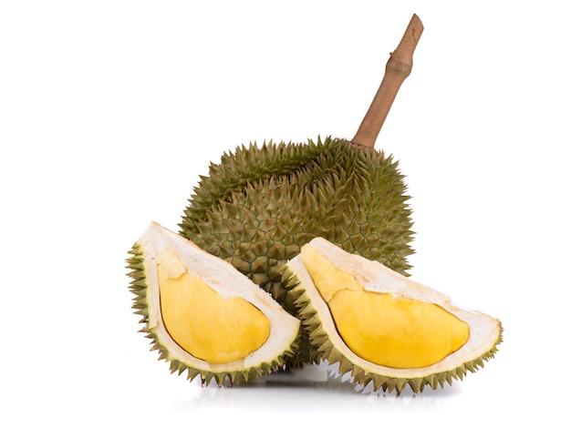 Close up disparo en durian, dulce rey de las frutas sobre fondo de madera