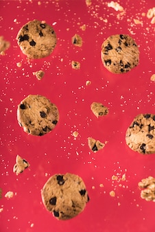 Close-up galletas de chocolate con nueces