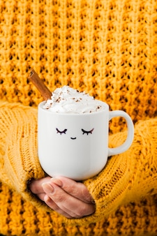 Close-up mañana taza de café