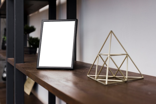 Close-up marco de imagen en la estantería