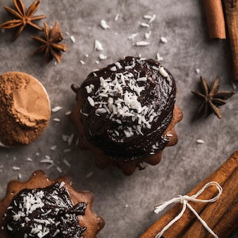 Close-up sabrosos muffins con chocolate