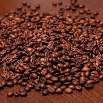 Closeup imagen de granos de café tostados