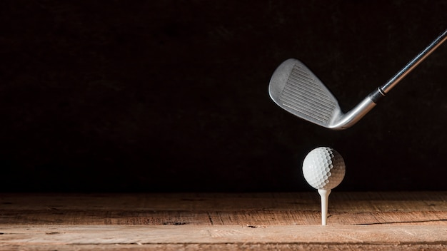 Club de golf con pelota