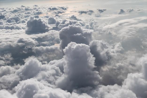 Cluster nublado natural en el cielo