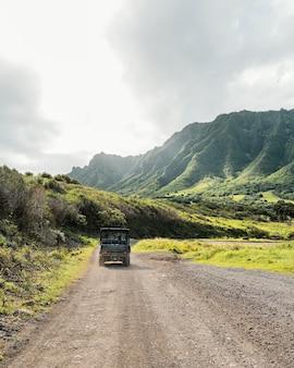 Coche jeep en hawaii