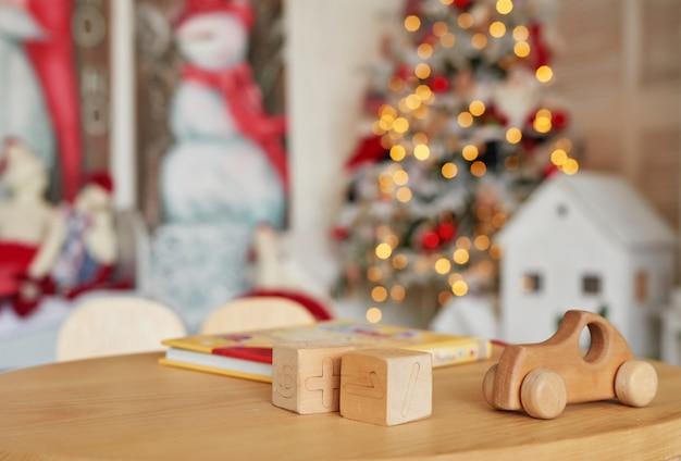 Coche de juguete y cubos de madera, juguete de madera natural, forma de madera de colores, juguete para bebés, juguetes para bebés.