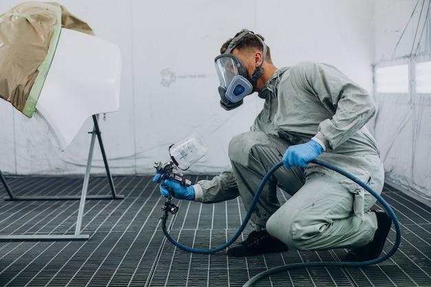 Coche de pintura mecánico de automóviles con pistola pulverizadora