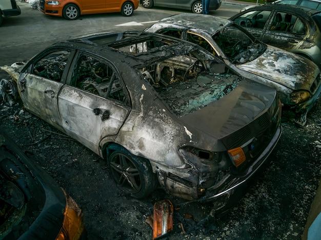 Coches quemados en la calle