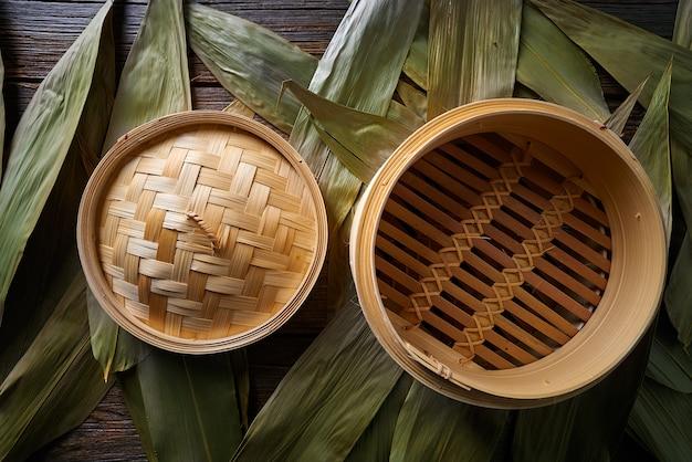 Cocina asiática de vapor de bambú para cocinar al vapor.