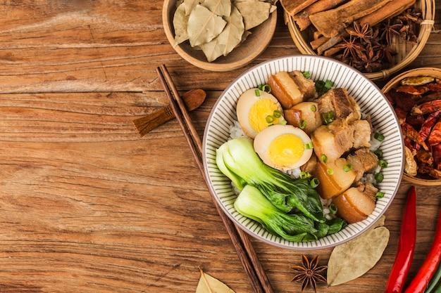 Cocina china estofado de arroz con carne de cerdo
