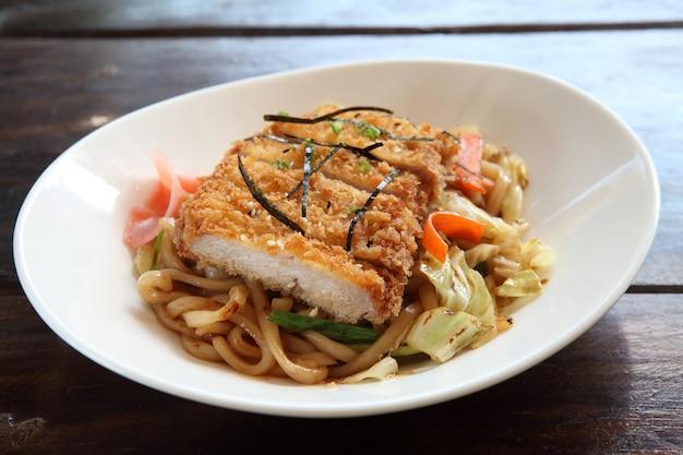 Cocina japonesa, fideos fritos yakisoba