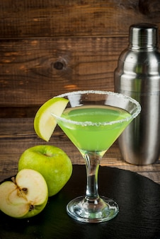 Cóctel de alcohol appletini