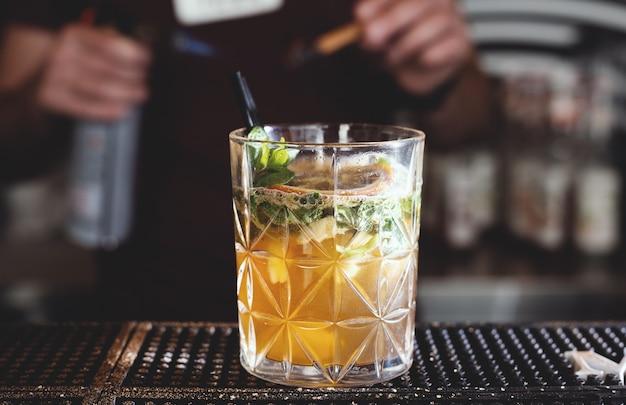 Cóctel de alcohol de jugo de naranja