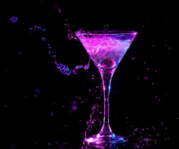 Cóctel colorido concepto de comida y bebida