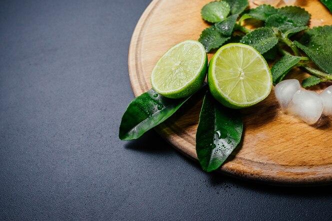 Jugo de limon y menta para adelgazar