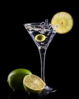 Cóctel fresco concepto de comida y bebida