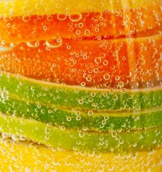 Cóctel de frutas y vitaminas