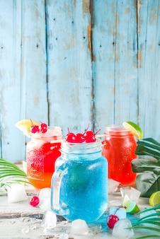 Cócteles tropicales de verano