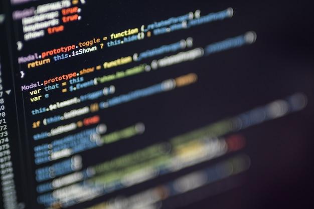 Codificación de programación con temas coloridos del editor