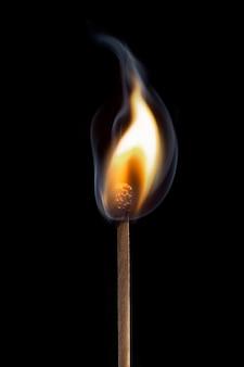 Coincidir con la llama de fondo, imagen de alta resolución