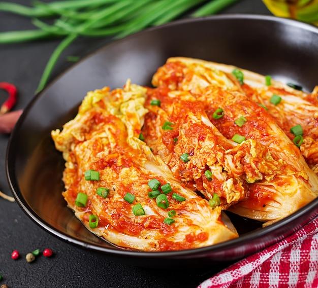 Col china. repollo kimchi. comida tradicional coreana