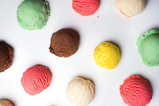 Colección de bolas de helado.