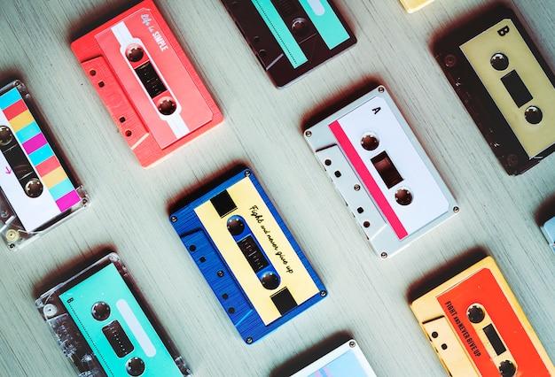 Colección de cassettes de audio retro de música de los años 80.