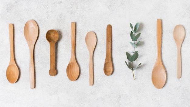 Colección de cucharas de madera de vista superior