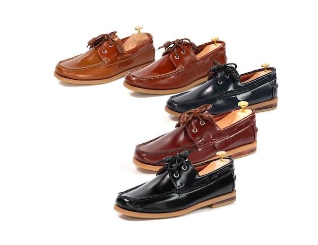 Colección de cuero de zapatos de barco de moda para hombres aislada. paquete de tiro