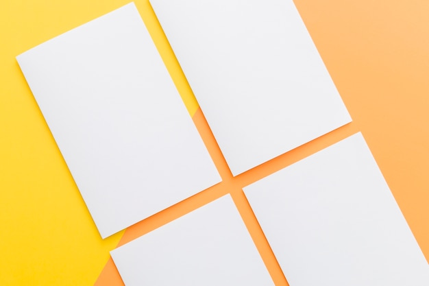 Colección de folletos rectangulares de primer plano