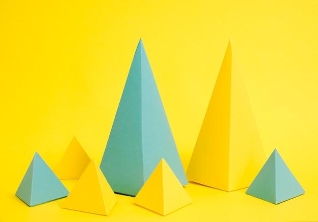 Colección de formas de papel de alto ángulo