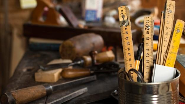 Colección de herramientas de carpintero