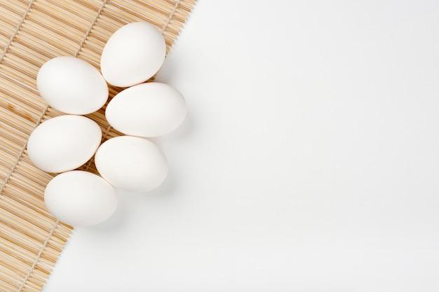 Colección de huevos con espacio de copia