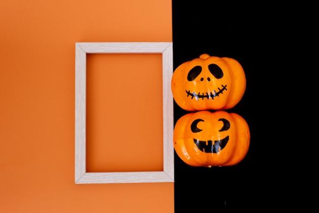 Colección de objetos de fiesta de halloween formando un marco.