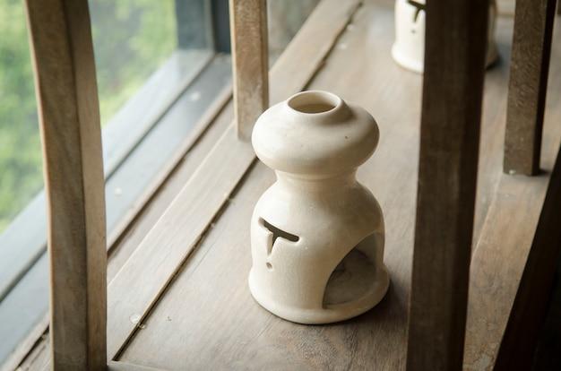 Colección de ollas de cerámica.